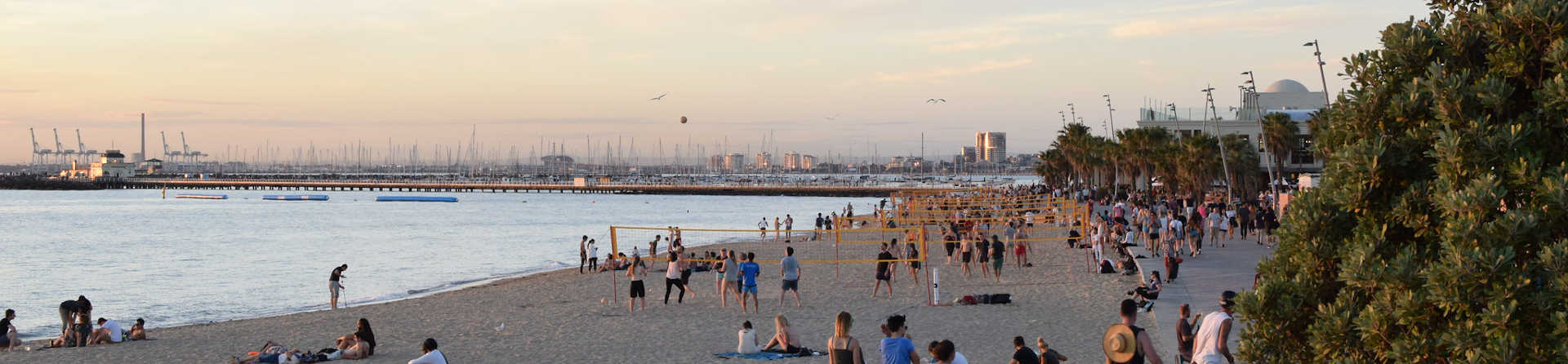 Does Melbourne have a beach?